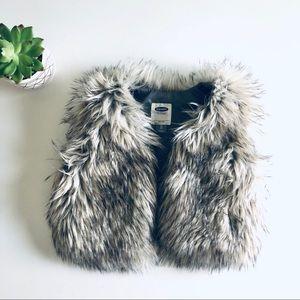 2/$20 Old Navy Faux Fur Statement Vest Gray Brown
